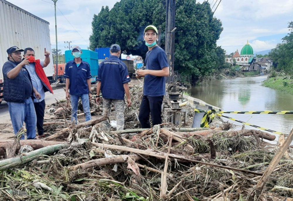 Andri Wahyudi Sidak Bencana Desa Kepulungan
