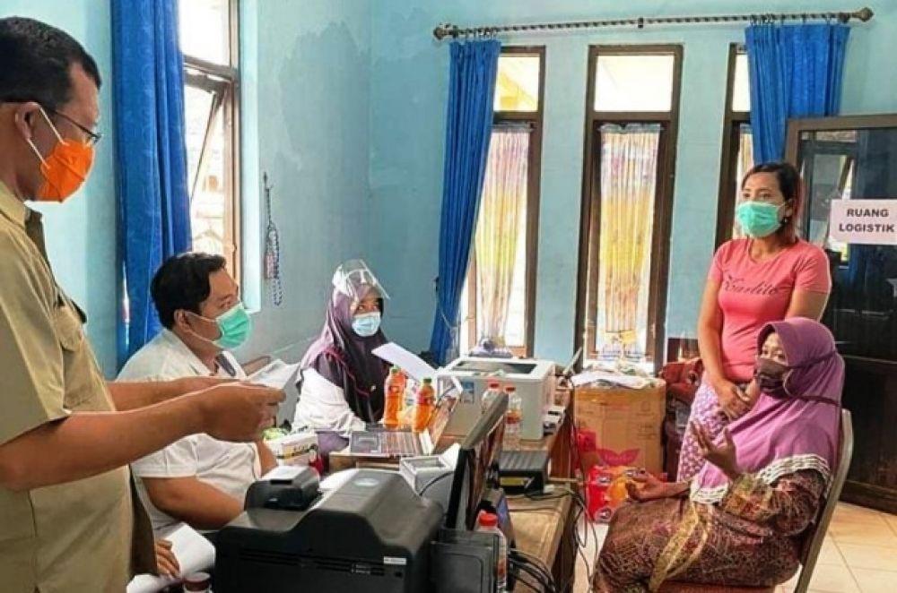 Dispendukcapil Ganti KK & KTP Korban Banjir Gempol
