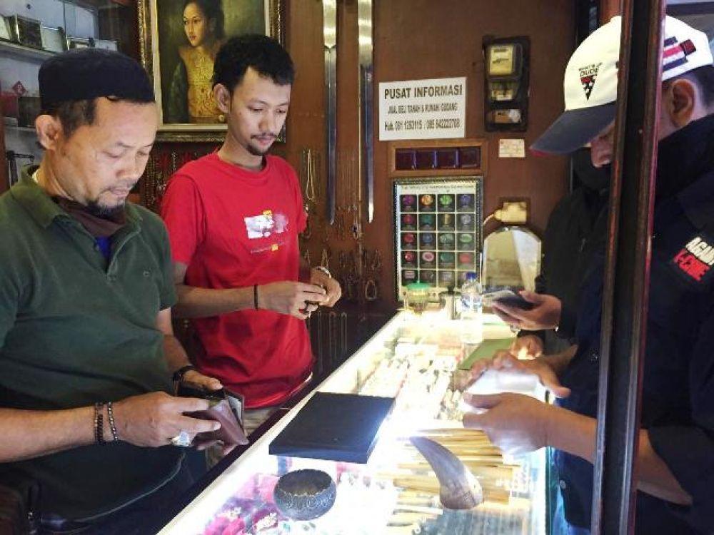 Pedagang Online Jual Cula Badak Rp 150 Juta