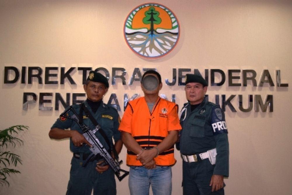 KLHK Tahan Tersangka Reklamasi Belitung