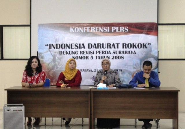 IAKMI Soroti Reklame Rokok di Surabaya