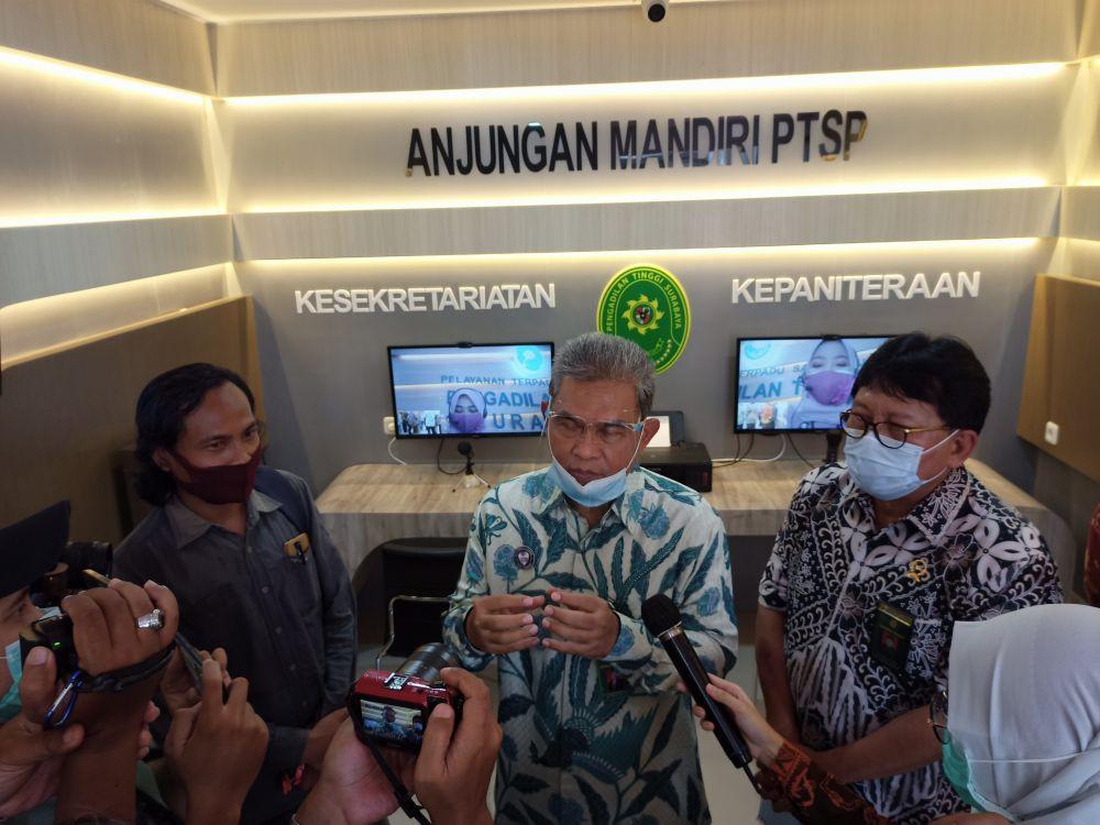 Pengadilan Tinggi Surabaya Menginisiasi Inovasi PTSP Online