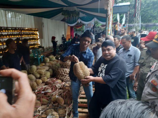 Warga Prigen Gelar Festifal Akbar Durian Nusantara