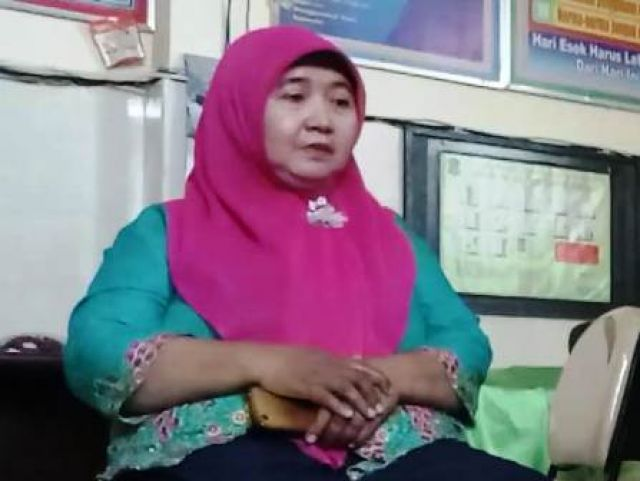 Guru SD Negeri Tanah Kali Kedinding 1/251 Ngawur