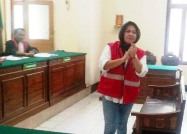Hakim Vonis Terdakwa Sabu Dewi Ratih 2,5 Tahun