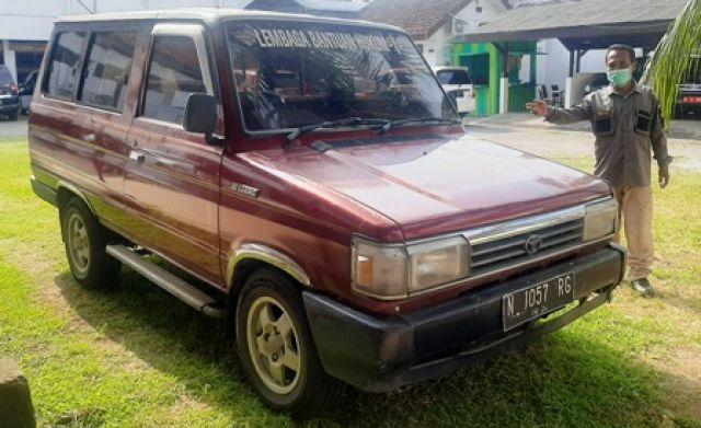 Kejari Pasuruan Sita Mobil Tersangka Korupsi BOP