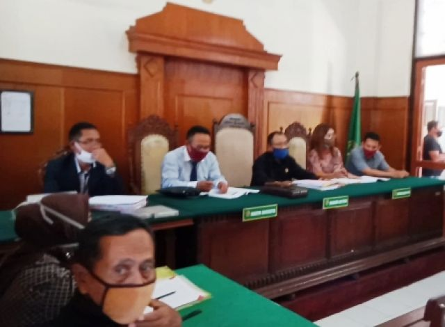 Nasabah KUD Trijaya Ngamuk di Pengadilan