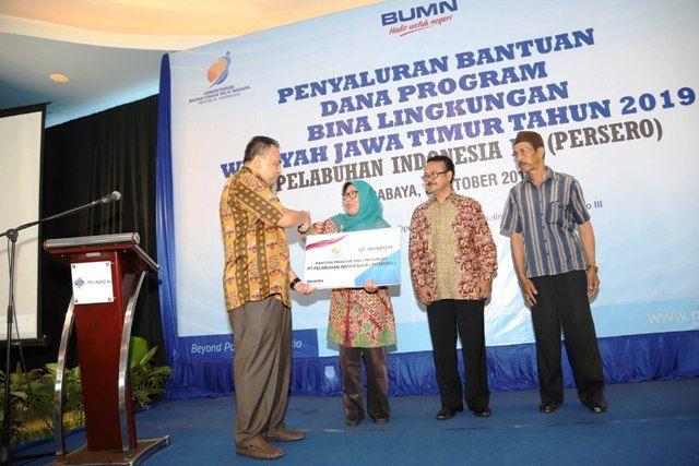 PT Pelindo III Gelontorkan CSR Rp 2,4 Miliar