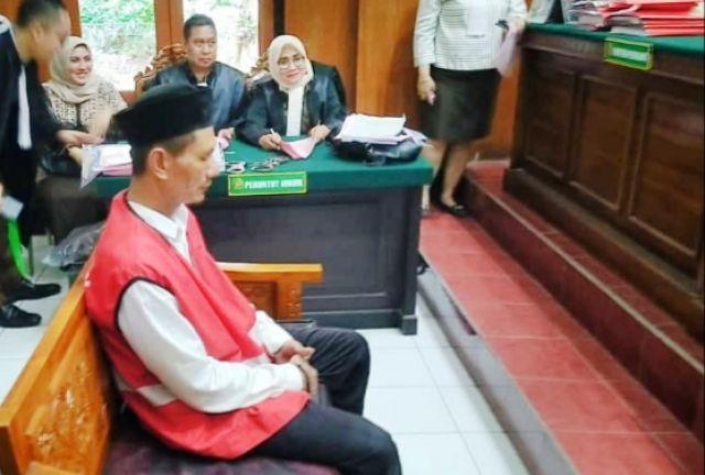 Pembakar Istri Ketintang Dituntut 8,5 Tahun Penjara