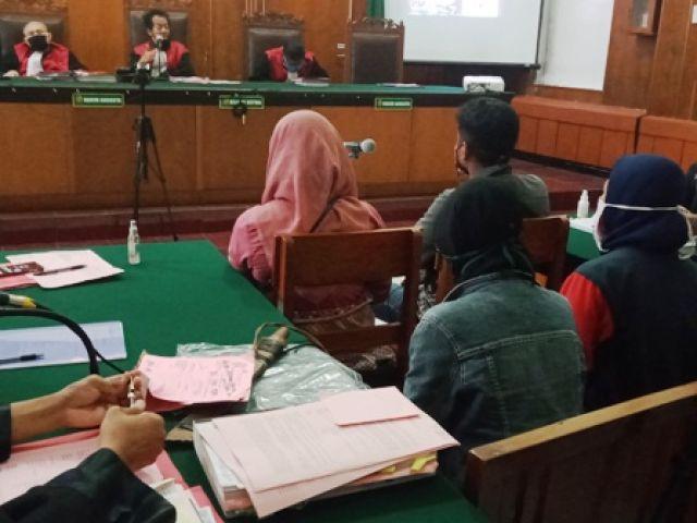 Rebutan Gudang, Zainal dan Minawan Dipenjara