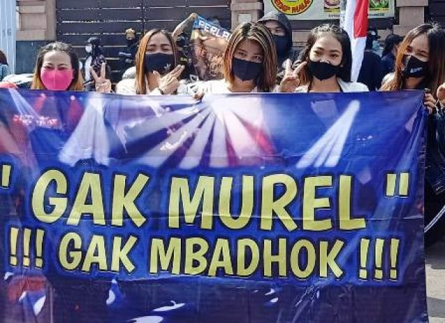 Pekerja Hiburan Malam Protes Perwali No 33
