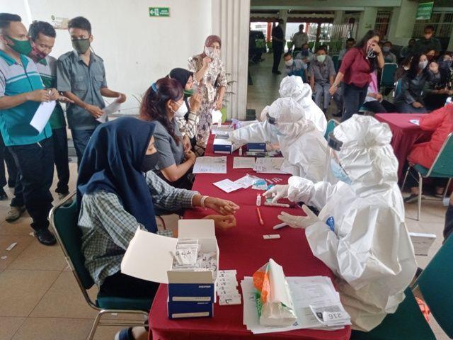 Hakim dan Pegawai PN Surabaya Reaktif Covid-19