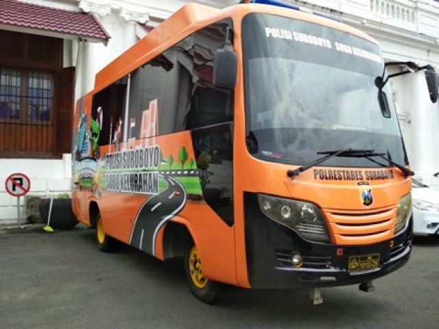 Bus Polrestabes Surabaya Sobo Kelurahan