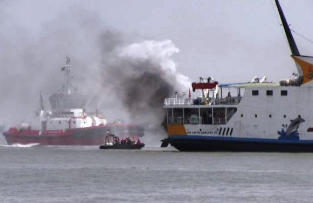 Kapal Penumpang PT Dharma Lautan Utama Dibakar