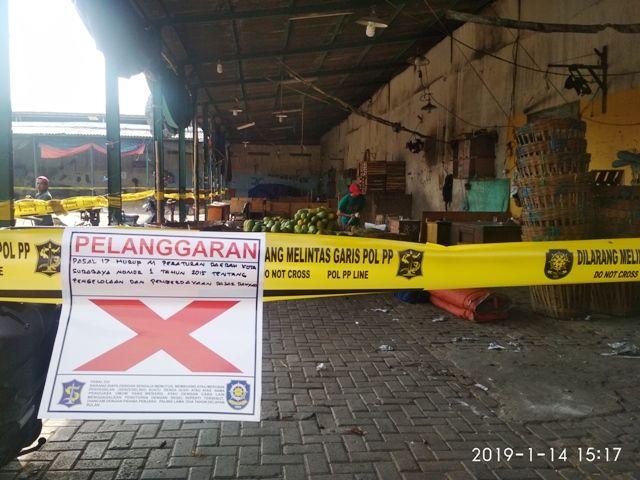 Pasar Tanjungsari Disegel Satpol PP Surabaya