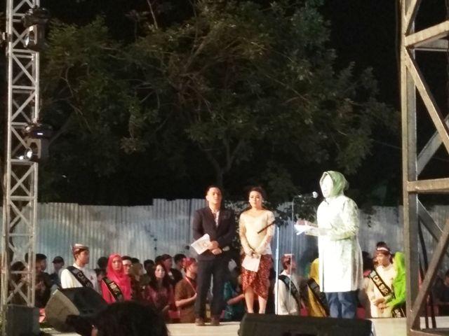 Mlaku-Mlaku Nang Tunjungan, Risma Sambut PR Berprestasi