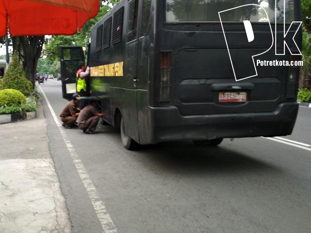 Mobil Tahanan Kejaksaan Mogok Dijalan