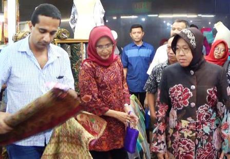 Risma Upayakan Pemulihan Perekonomian Surabaya