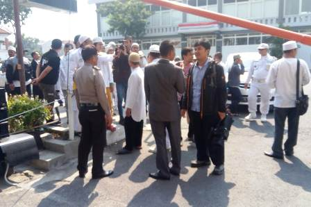 Diperiksa Polisi, Gus Nur Dikawal FPI