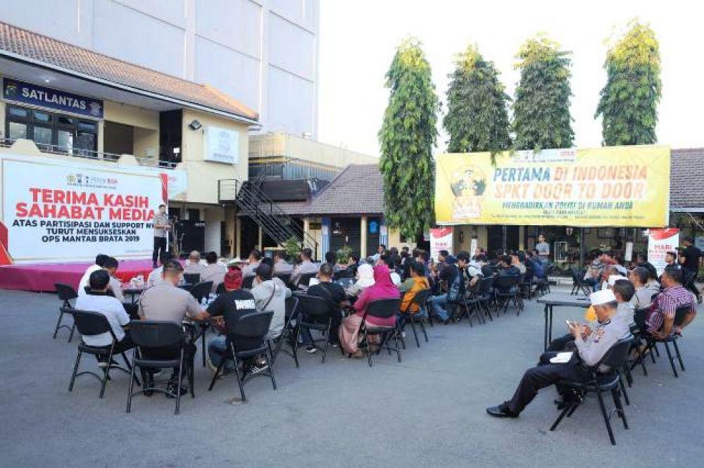 Polres Tanjung Perak Ajak Media Syukuran