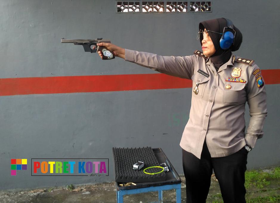 Ony Radjaloa Atlet Tembak dari Polri