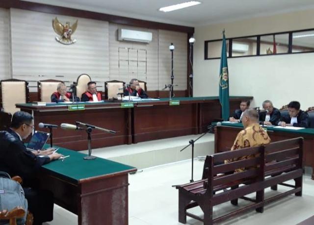 Bupati Malang Rendra Kresna Jalani Sidang Perdana