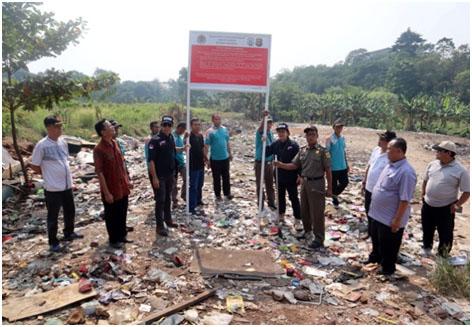 KLHK Menyegel Tempat Pembuangan Sampah Bogor