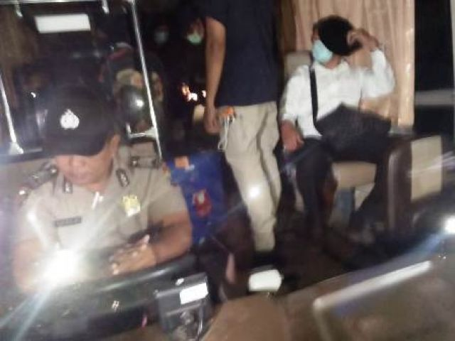 Bupati Sidoarjo Saiful Ilah Diangkut KPK ke Jakarta