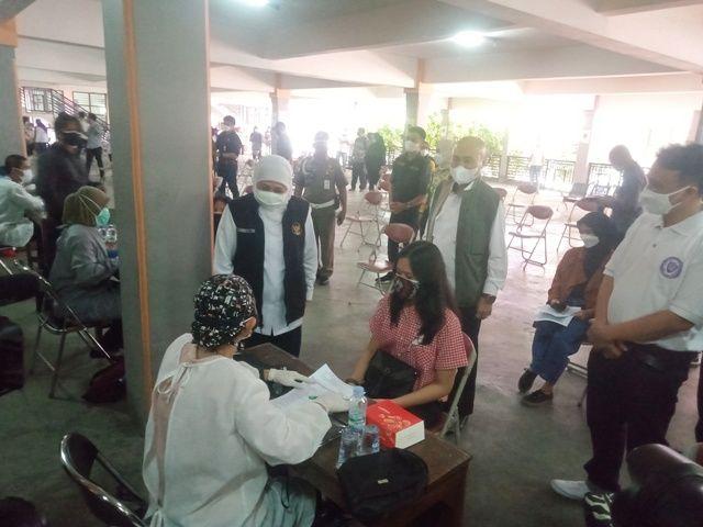 Gubernur Jatim Tidak Target Waktu Vaksinasi Pelajar