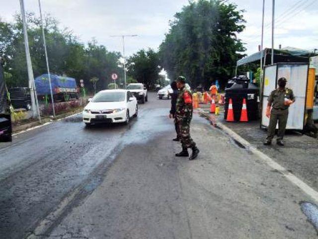 Petugas Gabungan Jaga Ketat 19 Lokasi di Surabaya