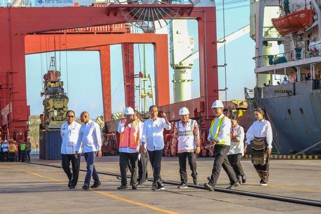 Presiden Jokowi Tinjau Pelabuhan Tenau Kupang