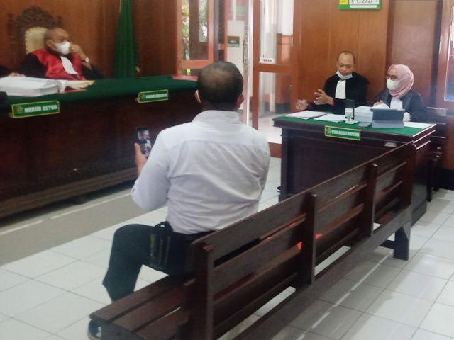 Relawan Covid-19 Dituduh Ikut Demo Omnibus Law