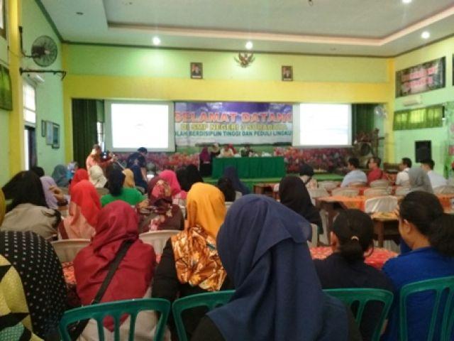 SMP Negeri 3 Surabaya Disebut Pungli Seragam