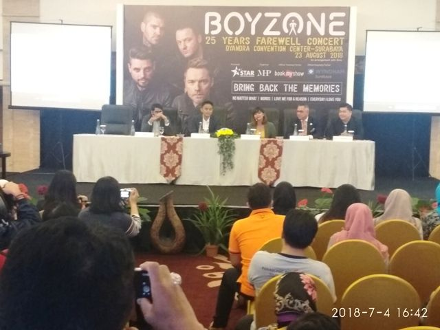 Sebelum Bubar, Boyzone Konser di Surabaya