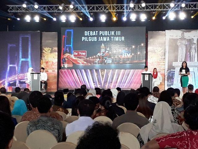 Debat Publik Pilgub Jatim III Diumpat Penonton