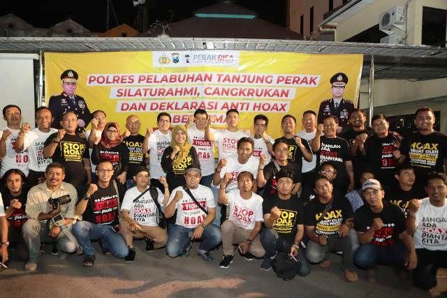 Bersama Media, Polres Pelabuhan Tanjung Perak Surabaya Deklarasi Anti Hoak