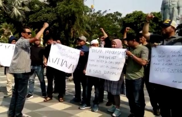 Wartawan Dihajar, AWAS Beraksi di Grahadi