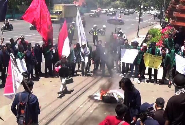 Mahasiswa Jawa Timur Ingin Pemerintah Menstabilkan Rupiah