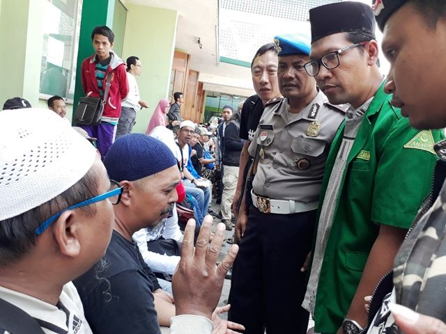 Polwan Dicakar, Massa #2019GantiPresiden Dihajar