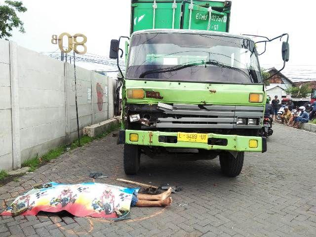 Heribertus Tirensi Tewas Dijepit Trucknya Sendiri