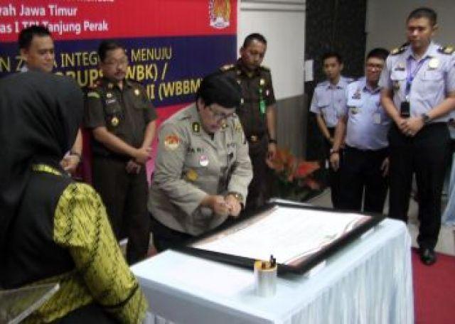 Kanim Tanjung Perak Deklarasi Zona Integritas