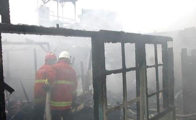 6 Rumah Kampung Pandegiling Terbakar