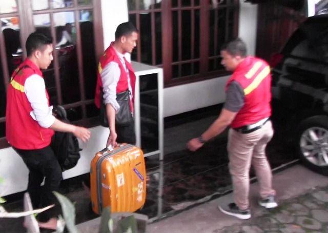Polisi Geledah Rumah Hidayat PSSI