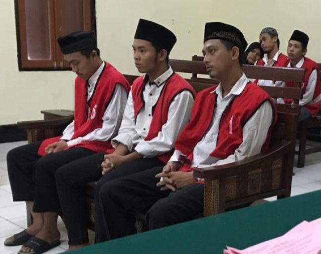 Para Terdakwa Pesta Sabu Divonis 2 Tahun penjara