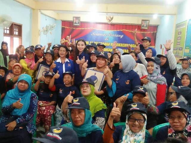 Caleg Nasdem Sosialisasi Plastik Dari Singkong