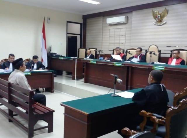 Mantan Kadis Perkebunan Jatim Dituntut 1,5 Tahun