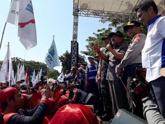 May Day, Ribuan Buruh Jatim Tolak TKA
