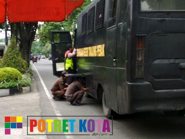 Mobil Tahanan Sumbangan Pemkot Surabaya Rusak