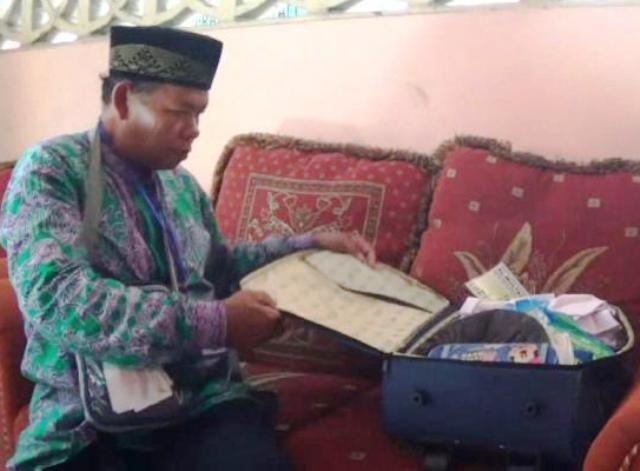 Mengabdi 32 Tahun, Cleaning Service Naik Haji