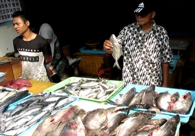 Dampak Cuaca Buruk, Harga Ikan Laut Naik